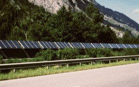 PV noise barrier A13, Switzerland, credit: pvresources